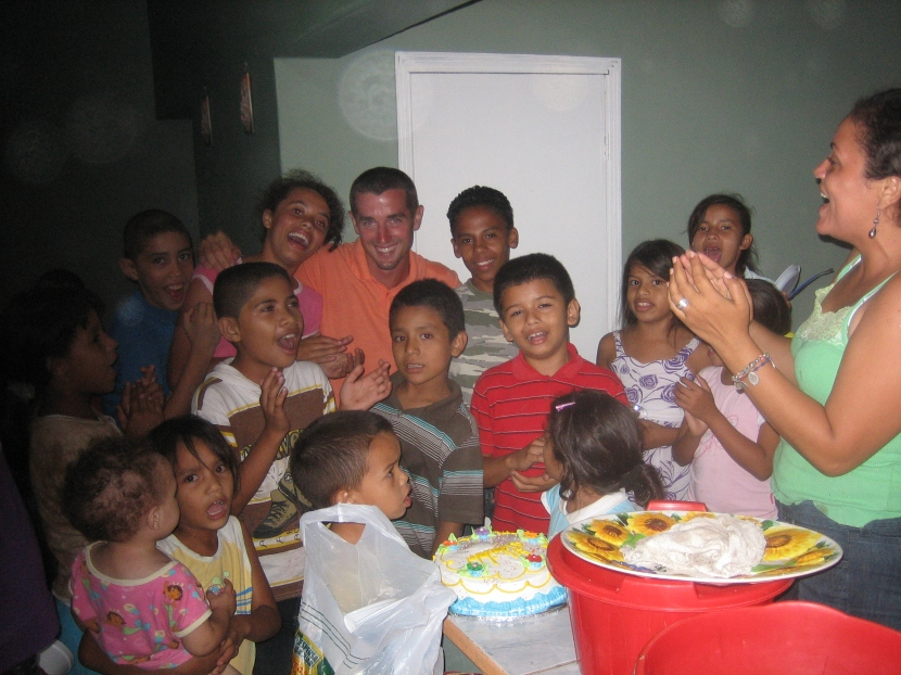 Ryan with a group of children in Talanga, Honduras.